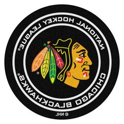 FANMATS NHL Chicago Blackhawks Nylon Face Hockey Puck Rug
